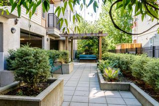 """Photo 20: 418 2343 ATKINS Avenue in Port Coquitlam: Central Pt Coquitlam Condo for sale in """"The Pearl"""" : MLS®# R2405860"""