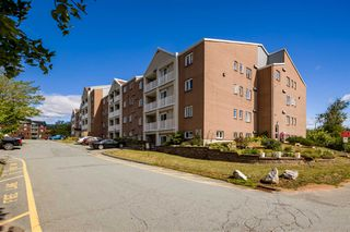 Main Photo: 302 15 Langbrae Drive in Halifax: 5-Fairmount, Clayton Park, Rockingham Residential for sale (Halifax-Dartmouth)  : MLS®# 202100715