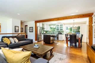 Photo 3: 15760 RUSSELL Avenue: White Rock House for sale (South Surrey White Rock)  : MLS®# R2401494