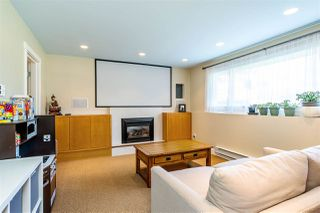 Photo 13: 15760 RUSSELL Avenue: White Rock House for sale (South Surrey White Rock)  : MLS®# R2401494