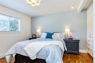 Photo 8: 15760 RUSSELL Avenue: White Rock House for sale (South Surrey White Rock)  : MLS®# R2401494