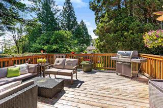 Photo 17: 15760 RUSSELL Avenue: White Rock House for sale (South Surrey White Rock)  : MLS®# R2401494
