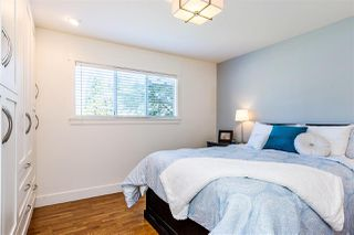Photo 7: 15760 RUSSELL Avenue: White Rock House for sale (South Surrey White Rock)  : MLS®# R2401494