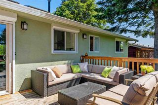 Photo 16: 15760 RUSSELL Avenue: White Rock House for sale (South Surrey White Rock)  : MLS®# R2401494