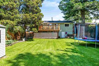 Photo 19: 15760 RUSSELL Avenue: White Rock House for sale (South Surrey White Rock)  : MLS®# R2401494