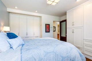 Photo 9: 15760 RUSSELL Avenue: White Rock House for sale (South Surrey White Rock)  : MLS®# R2401494