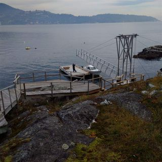 "Photo 11: 21 - 22 PASSAGE Island in West Vancouver: Howe Sound House for sale in ""PASSAGE ISLAND"" : MLS®# R2412224"