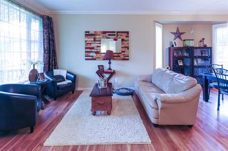 Photo 5: 4 GRANDIN LN in St. Albert: Zone 24 House for sale : MLS®# E4166911