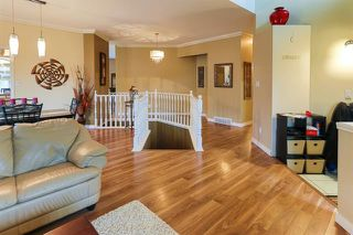 Photo 2: 4 GRANDIN LN in St. Albert: Zone 24 House for sale : MLS®# E4166911