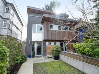 Main Photo: 1850 E 11TH Avenue in Vancouver: Grandview Woodland House 1/2 Duplex for sale (Vancouver East)  : MLS®# R2445433