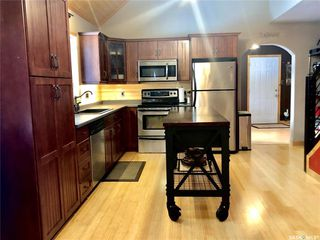 Photo 2: 203-205 Queens Drive in Nipawin: Residential for sale : MLS®# SK833623