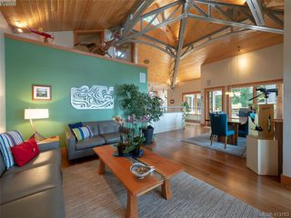 Photo 12: 1604 Storm Crescent in PENDER ISLAND: GI Pender Island Single Family Detached for sale (Gulf Islands)  : MLS®# 413763