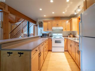 Photo 33: 1604 Storm Crescent in PENDER ISLAND: GI Pender Island Single Family Detached for sale (Gulf Islands)  : MLS®# 413763