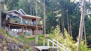 Photo 3: 1604 Storm Crescent in PENDER ISLAND: GI Pender Island Single Family Detached for sale (Gulf Islands)  : MLS®# 413763