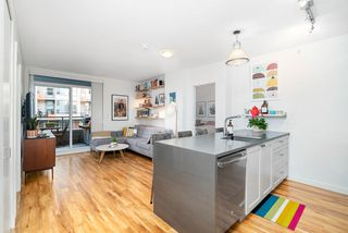 "Photo 2: 317 289 E 6TH Avenue in Vancouver: Mount Pleasant VE Condo for sale in ""SHINE"" (Vancouver East)  : MLS®# R2438872"