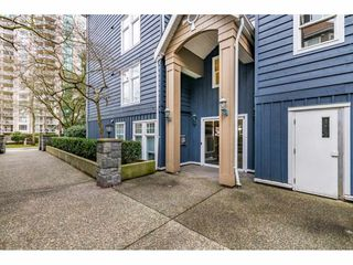 """Photo 18: 305 1190 EASTWOOD Street in Coquitlam: North Coquitlam Condo for sale in """"LAKESIDE TERRACE"""" : MLS®# R2448646"""