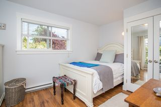 "Photo 14: 2882 MCKENZIE Avenue in Surrey: Crescent Bch Ocean Pk. House for sale in ""Crescent Beach"" (South Surrey White Rock)  : MLS®# R2460460"