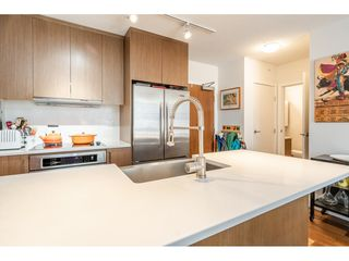 """Photo 10: 908 251 E 7TH Avenue in Vancouver: Mount Pleasant VE Condo for sale in """"District"""" (Vancouver East)  : MLS®# R2465561"""
