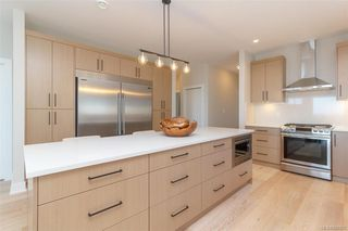 Photo 10: 2454 Azurite Cres in Langford: La Bear Mountain Single Family Detached for sale : MLS®# 838957