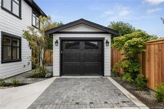 Photo 18: 2746 Gosworth Rd in Victoria: Vi Oaklands House for sale : MLS®# 841842