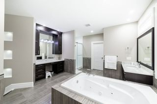 Photo 25: 3287 WHITELAW Drive in Edmonton: Zone 56 House for sale : MLS®# E4217002