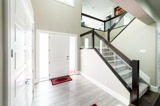 Photo 3: 3287 WHITELAW Drive in Edmonton: Zone 56 House for sale : MLS®# E4217002