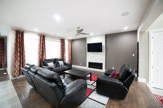 Photo 7: 3287 WHITELAW Drive in Edmonton: Zone 56 House for sale : MLS®# E4217002