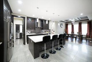 Photo 10: 3287 WHITELAW Drive in Edmonton: Zone 56 House for sale : MLS®# E4217002
