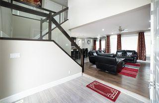 Photo 4: 3287 WHITELAW Drive in Edmonton: Zone 56 House for sale : MLS®# E4217002