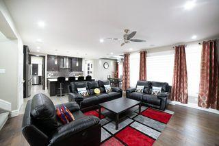 Photo 5: 3287 WHITELAW Drive in Edmonton: Zone 56 House for sale : MLS®# E4217002