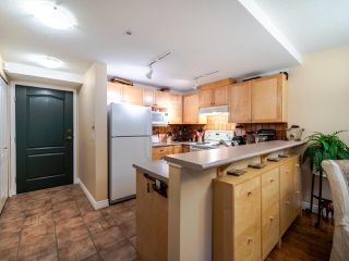 "Photo 2: 9 3036 W 4TH Avenue in Vancouver: Kitsilano Condo for sale in ""SANTA BARBARA"" (Vancouver West)  : MLS®# R2518468"