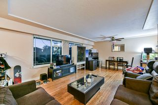 Photo 3: 313 MUNDY Street in Coquitlam: Coquitlam East House for sale : MLS®# R2416321
