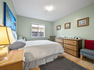 "Photo 10: 5639 ANDRES Road in Sechelt: Sechelt District House for sale in ""TYLER HEIGHTS"" (Sunshine Coast)  : MLS®# R2422935"