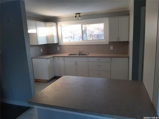 Photo 3: 202 Witney Avenue North in Saskatoon: Mount Royal SA Residential for sale : MLS®# SK808998