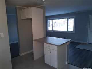 Photo 4: 202 Witney Avenue North in Saskatoon: Mount Royal SA Residential for sale : MLS®# SK808998