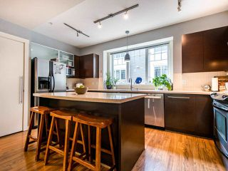 """Photo 5: 3808 WELWYN Street in Vancouver: Victoria VE Townhouse for sale in """"Stories"""" (Vancouver East)  : MLS®# R2467996"""