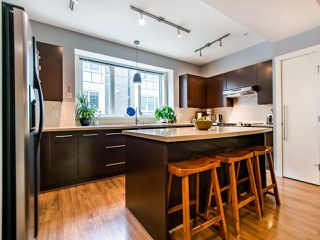 """Photo 6: 3808 WELWYN Street in Vancouver: Victoria VE Townhouse for sale in """"Stories"""" (Vancouver East)  : MLS®# R2467996"""