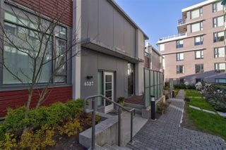 Photo 2: 4527 CAMBIE Street in Vancouver: Cambie Townhouse for sale (Vancouver West)  : MLS®# R2394527