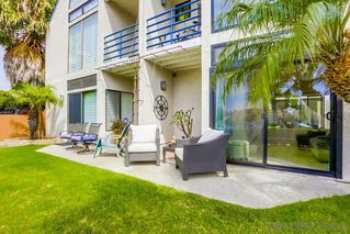 Photo 2: PACIFIC BEACH Townhome for sale : 3 bedrooms : 1024 Wilbur Ave #2 in San Diego