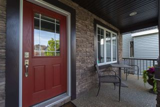 Photo 2: 897 HODGINS Road in Edmonton: Zone 58 House for sale : MLS®# E4185577