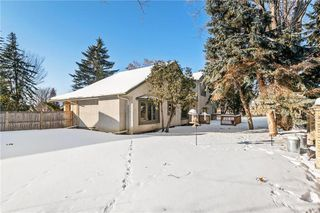 Photo 30: 27 Driscoll Crescent in Winnipeg: Tuxedo Residential for sale (1E)  : MLS®# 202003799