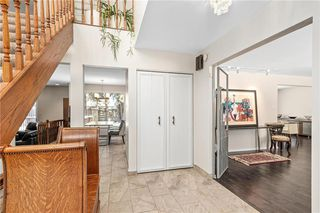 Photo 2: 27 Driscoll Crescent in Winnipeg: Tuxedo Residential for sale (1E)  : MLS®# 202003799