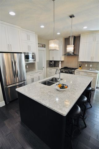 Photo 6: 10822 72 Avenue in Edmonton: Zone 15 House for sale : MLS®# E4191236