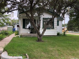 Photo 1: 1391 107th Street in North Battleford: Residential for sale : MLS®# SK818445