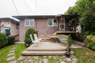Photo 2: 2789 PARKER Street in Vancouver: Renfrew VE House for sale (Vancouver East)  : MLS®# R2502903