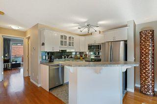 Photo 4: 201 10105 95 Street in Edmonton: Zone 13 Townhouse for sale : MLS®# E4224743