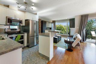 Photo 2: 201 10105 95 Street in Edmonton: Zone 13 Townhouse for sale : MLS®# E4224743
