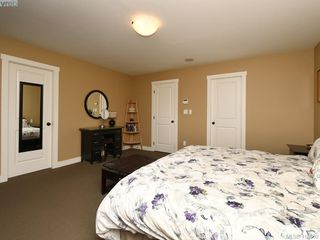 Photo 11: 1215 Clearwater Pl in VICTORIA: La Westhills Single Family Detached for sale (Langford)  : MLS®# 820809