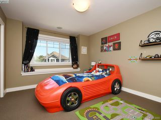 Photo 13: 1215 Clearwater Pl in VICTORIA: La Westhills House for sale (Langford)  : MLS®# 820809
