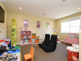 Photo 18: 1215 Clearwater Pl in VICTORIA: La Westhills Single Family Detached for sale (Langford)  : MLS®# 820809